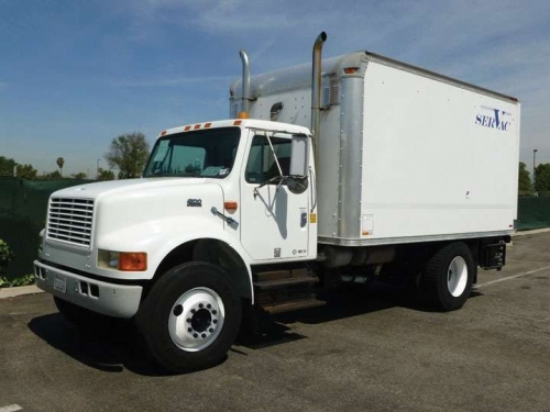 USED 1999 INTERNATIONAL VACUUM TANK 4900 SERVAC VACUUM EXCAVATION TRUCK
