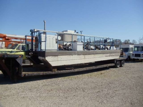 USED 1999 VOLVO OTHER WG64 NORSTAR AE-95 100' BUCKET TRUCK