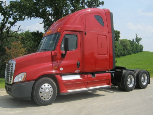 USED 2012 FREIGHTLINER TRACTOR TRUCK W/ SLEEPER CASCADIA