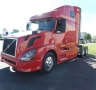 USED 2013 VOLVO TRACTOR TRUCK W/ SLEEPER VNL64T6702