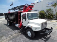 2007 Grapple Freightliner M2