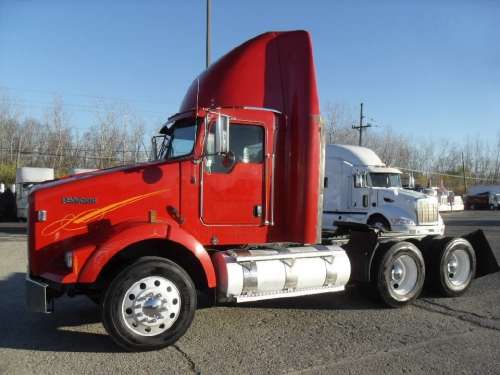 USED 2011 KENWORTH TRACTOR TRUCK W/O SLEEPER T800