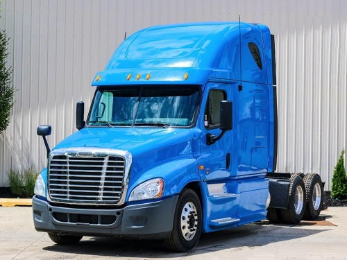USED 2013 FREIGHTLINER TRACTOR TRUCK W/ SLEEPER CASCADIA